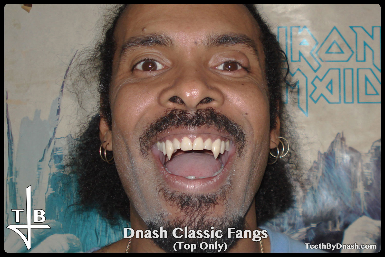 http://dnash_classic-custom_fangs-top_only-01